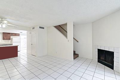 1055 W 5th Street #11 - Photo 1