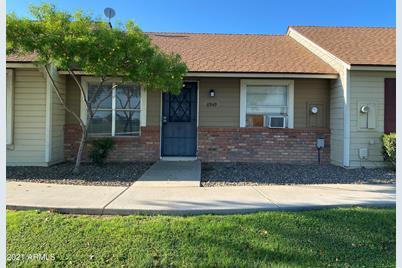 8949 W Desert Jewel Drive - Photo 1