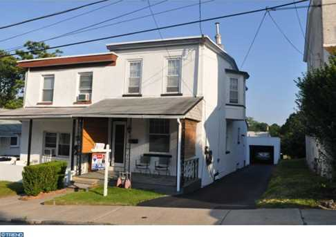 128 Rockland Ave - Photo 1