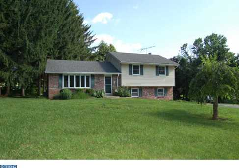 211 Hadfield Rd - Photo 1