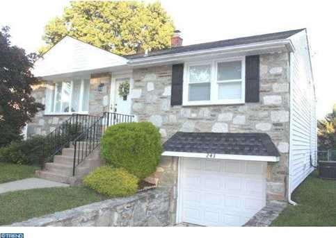 243 Perry St - Photo 1