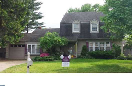 106 Wayside Ct - Photo 1