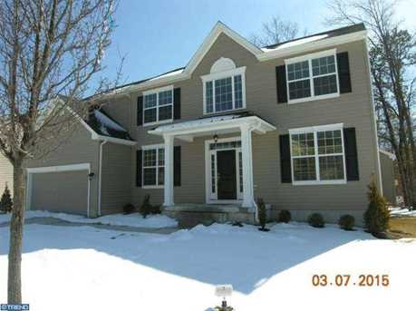 1 Bayberry Ave - Photo 1
