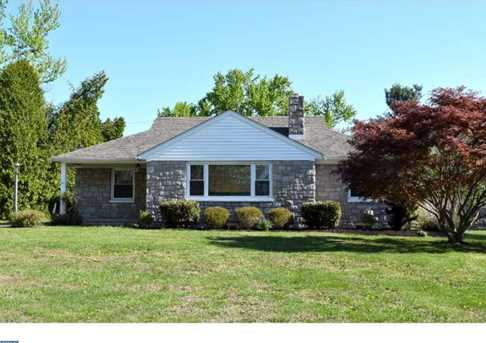 2421 West Chester Rd - Photo 1
