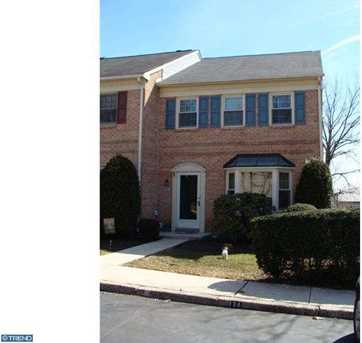 126 Lafayette Ct - Photo 1
