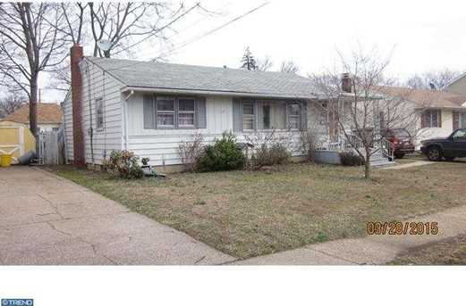 2242 Mulford Ave - Photo 1