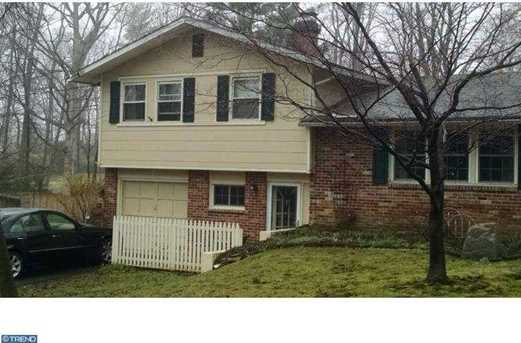 4 Holly Ln - Photo 1