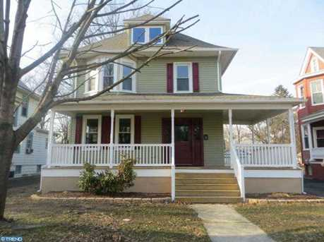 915 Collings Ave - Photo 1