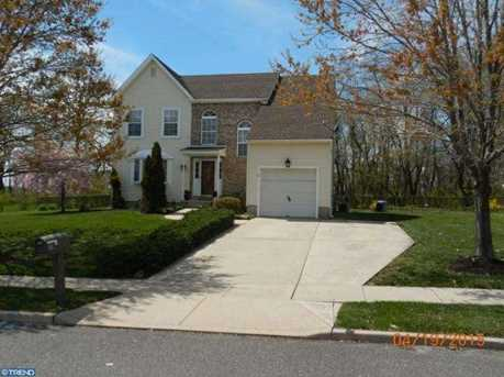 2 Amherst Dr - Photo 1