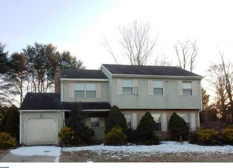 5 Chesterfield Ct - Photo 1