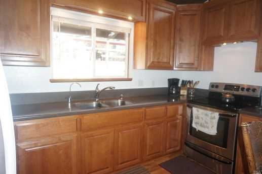 260 Placer Dr - Photo 7