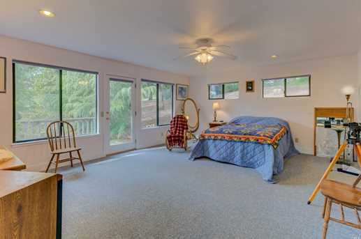 5010 Sleepy Hollow Ln - Photo 33