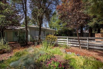 1840 Daniel Way, Redwood Valley, CA 95470