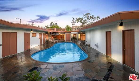 5303 Angeles Vista Blvd - Photo 1