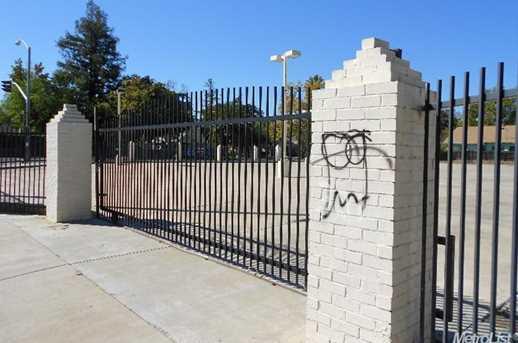 281  295 El Camino Avenue - Photo 2