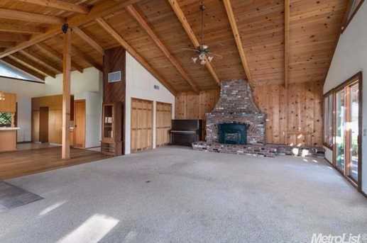 10671 Valley Drive - Photo 5
