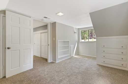 11293 Willow Valley Rd - Photo 17