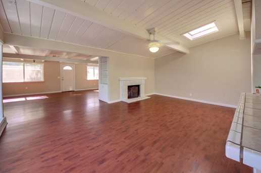 820 Duchow Way - Photo 3