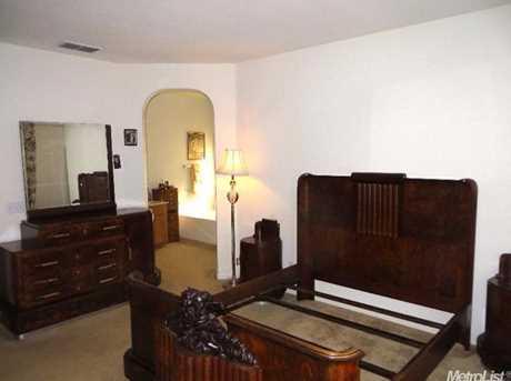 1820 Oakley Court - Photo 9