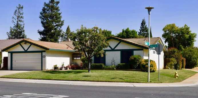 225 Emerald Oak Drive - Photo 1