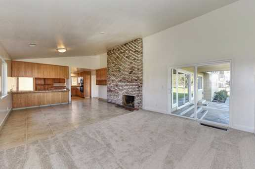 6151 Dill Court - Photo 11