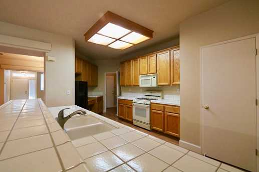 8825 Coral Berry Way - Photo 5