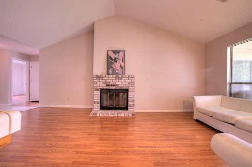 2725 Lindbrook Drive, Riverbank, CA 95367 - MLS 18024629 - Coldwell ...