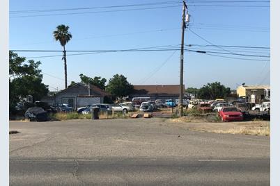 1250 E Childs Avenue - Photo 1
