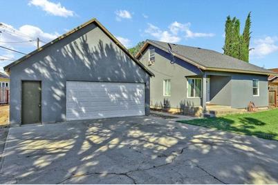 3900 North Santa Fe Avenue - Photo 1