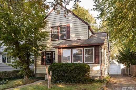 31 Fairview Ave - Photo 1