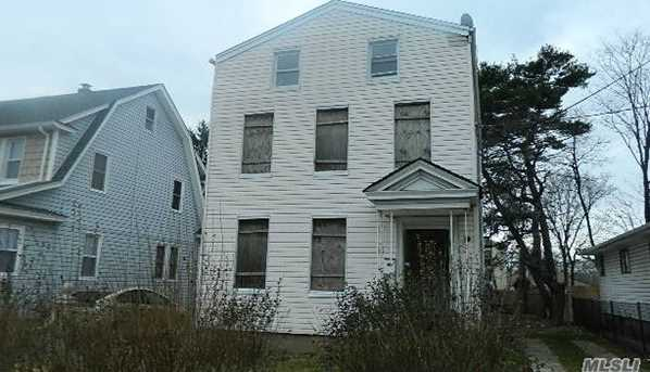 21 Green Ave - Photo 1