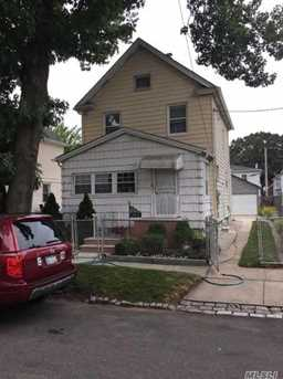 219 17 144th Ave Springfield Gardens Ny 11413 Mls 2955611 Coldwell Banker