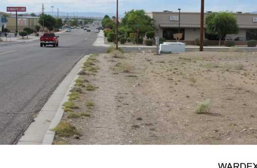 2385 Miracle Mile - Photo 3