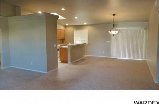 2068 Desert Lakes Dr - Photo 2