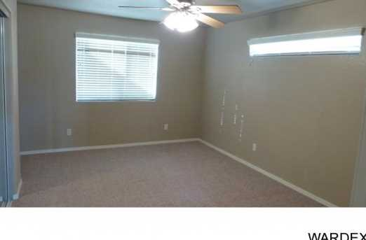2068 Desert Lakes Dr - Photo 12
