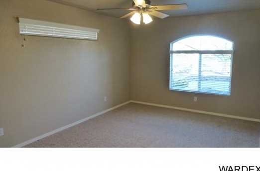 2068 Desert Lakes Dr - Photo 13