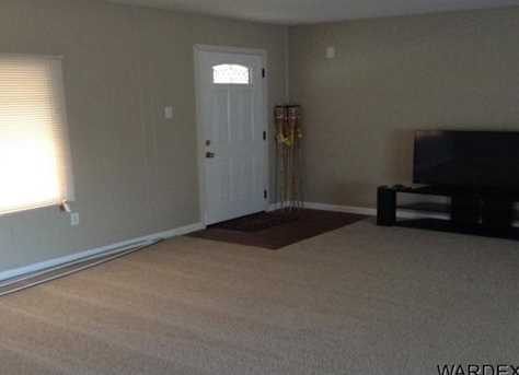 2085 Cabot Dr - Photo 10