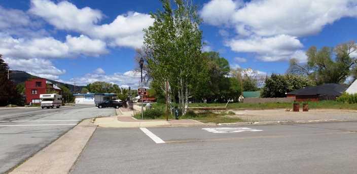 611 Main Street - Photo 2