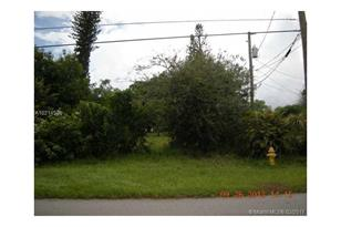 1860 NW 27th St - Photo 1