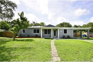 14425 NW 16th Dr - Photo 1