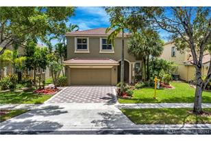 5063 SW 163rd Ave - Photo 1