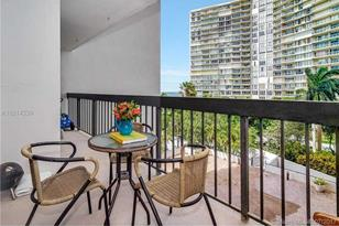 2333 Brickell Ave #404 - Photo 1