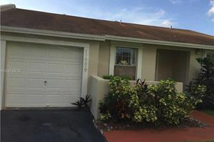 11779 SW 109th Ter - Photo 1