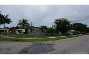 950 NW 16th Ave - Photo 1