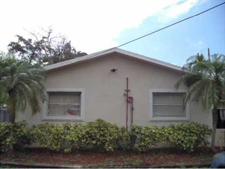 800 SW 9th Ct - Photo 1