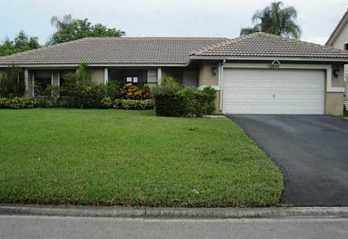 10846 NW 10th Pl - Photo 1