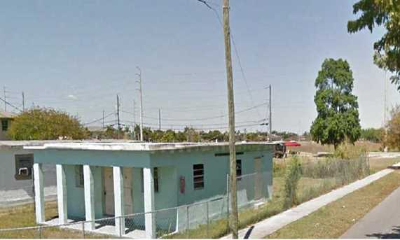 914 Nw 15 St - Photo 1