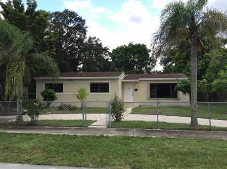 3270 NW 170 St - Photo 1