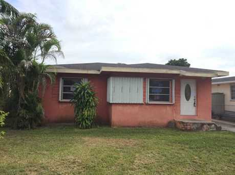 7262 NW 3 St - Photo 1