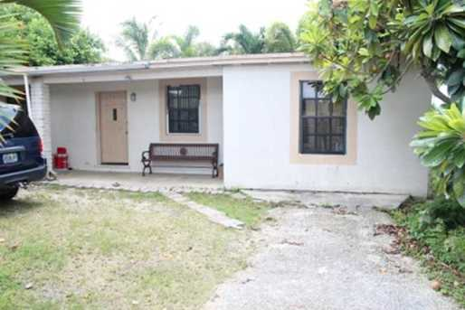 1190 NW 10 St - Photo 1